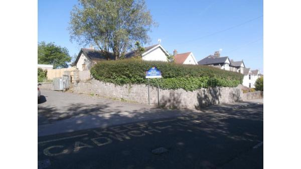 <strong>LOT 9: </strong>Former Caretaker's Bungalow, 76 Ewenny Road, Bridgend, CF31 3HS.