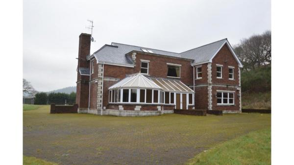 <strong>LOT 5: </strong>Penycastell Farm, Bryn, Port Talbot, SA13 2PY