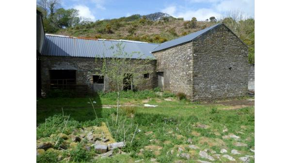 <strong>LOT 14: </strong>Unconverted Stone Barn to the rear of Graig Terrace, Blackmill, CF35 6EA