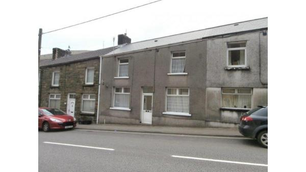 <strong>LOT 9: </strong>119 High Street, Ogmore Vale, CF32 7AG