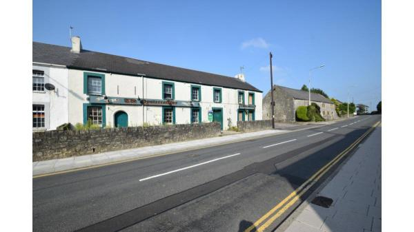 <strong>LOT 4: </strong>LOT 4: Former Oyster Catcher Public House, High Street, Laleston, Bridgend, CF32 0HL